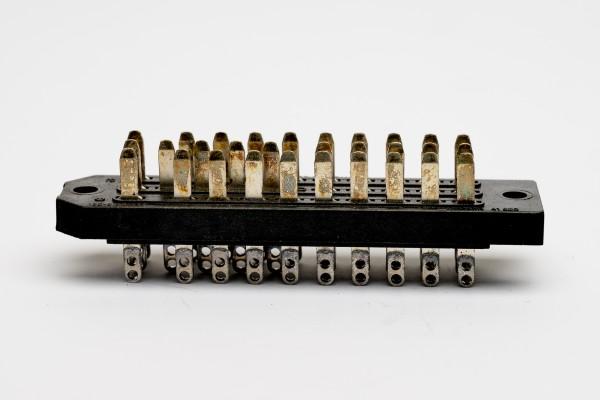 Cannon DIN 41622, 30 polige versilberte Messerleiste Neu