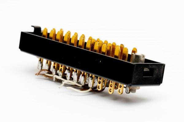 Siemens/ Tyco oder Amphenol Tuchel DIN 41622 30pol Messerleiste, vergoldet mit Riegelwanne Metall GEBRAUCHT